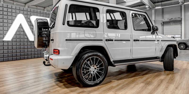 Mercedes-Benz G (bílá)