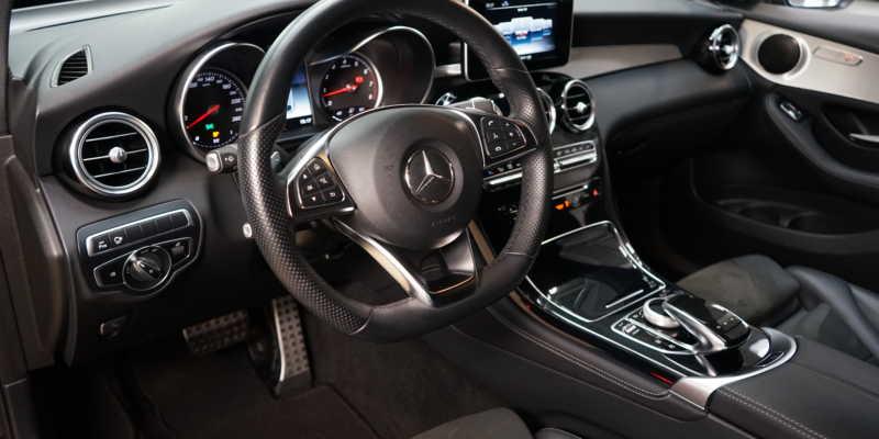 Proč je luxusní auto dobrá investice?